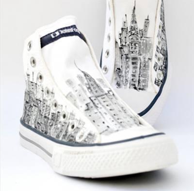 Zapatillas prototipo de la artista Alegrado Espacios para John Foos