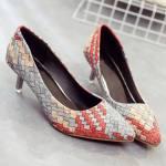 Zapatos tricolor con pequeño tacón